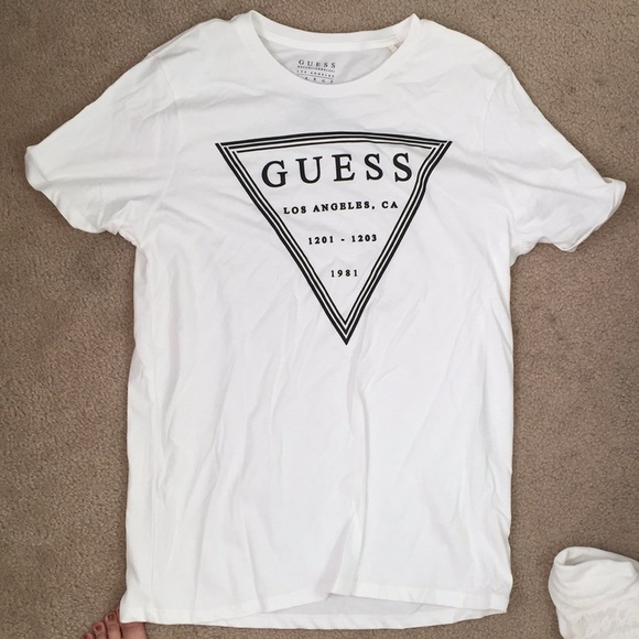 5c538cd73a19 Guess Shirts | Tshirt | Poshmark